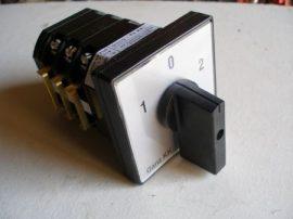 KK0-20-6013 Dahlander kapcsoló két fordulatszámra 1-0-2 állású 20A 3p installációs szekrénybe építhető kivitel